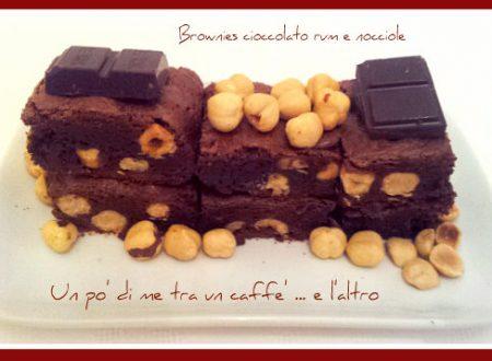 Brownies cioccolato, rum e nocciole
