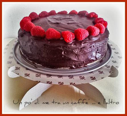 Torta morbida cioccolato e lamponi