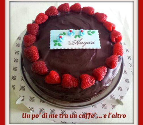 Torta cioccolato fondente con lamponi