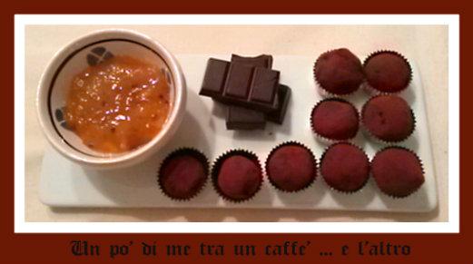 Tartufi con cioccolato fondente e confettura di arance